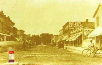 Lincoln Highway looking north circa 1915